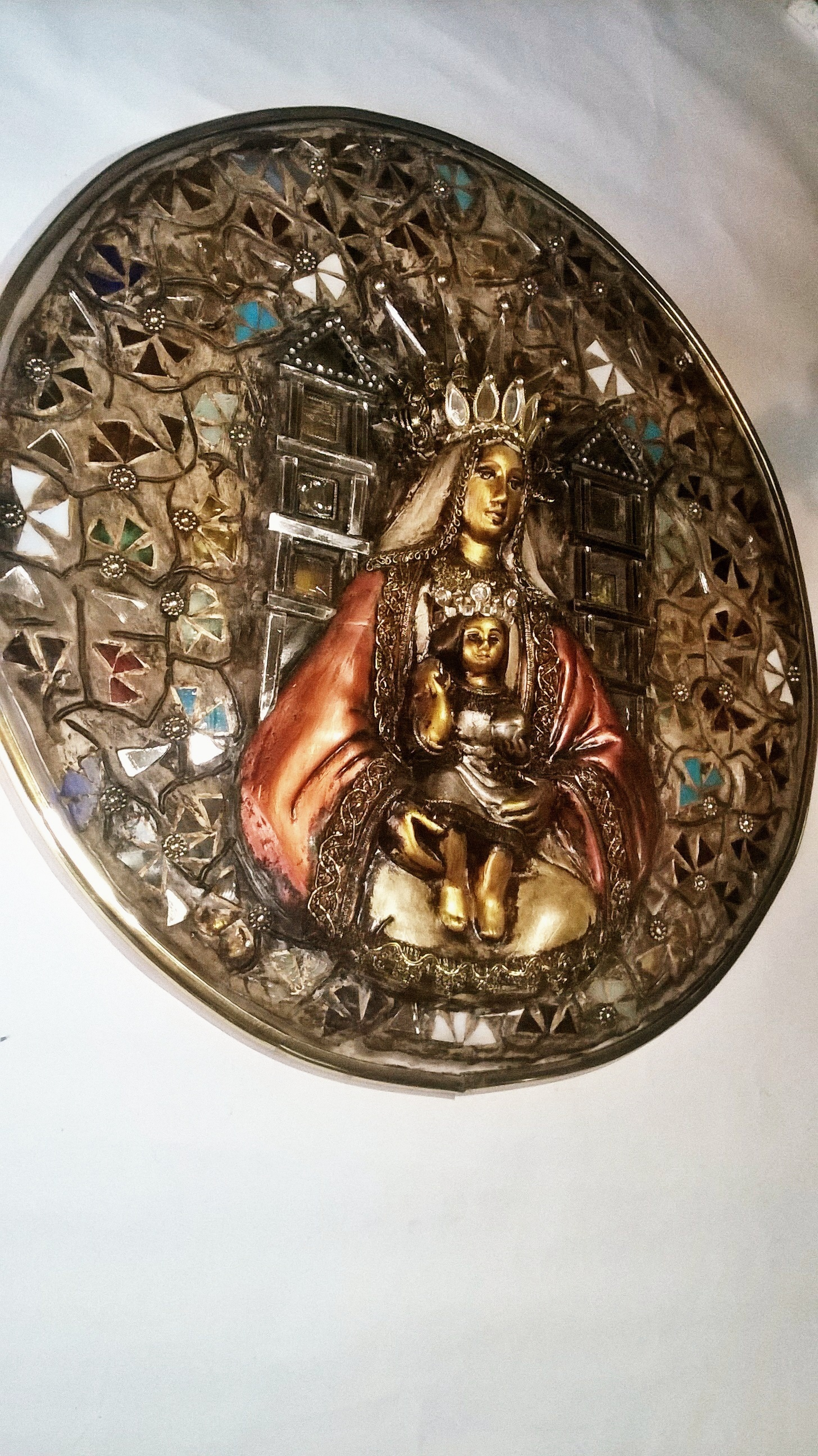 MEDALLION FOR WALL, ORIGINAL MOSAIC WITH MIRRORS EMBELLISHED WITH VIRGIN OF COROMOTO
