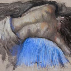 Mujer con espalda desnuda