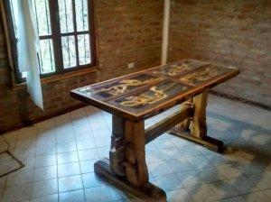 Mesa tallada