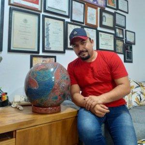 Big red sphere