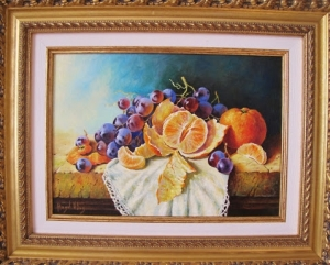 Still life with grapes and tangerines.