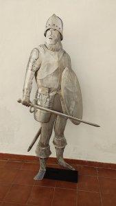 Escultura Soldado con escudo