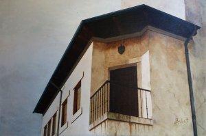 Pradoluengo. Balcony in corner