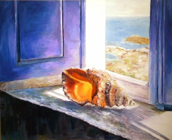 Caracola en la ventana