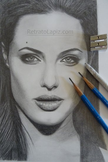 """Angelina"" @RetratoLapiz"