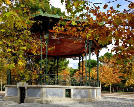Autumn, music kiosk in Madrid's Retiro Park